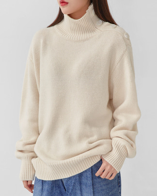 neck button polar knit